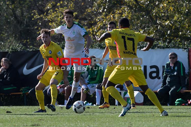 09.01.2017, Alhaurin el Grande, Hotel Alhaurin Golf Resort, ESP,  FSP Werder Bremen vs Karlsruher SC, <br /> <br /> im Bild<br /> <br /> Luca-Milan Zander (Bremen #19)<br /> Matthias Bader (KSC #35)<br /> David Kinsombi (KSC #17)<br /> Dennis Kempe (KSC #05)<br /> Foto &copy; nordphoto / Kokenge