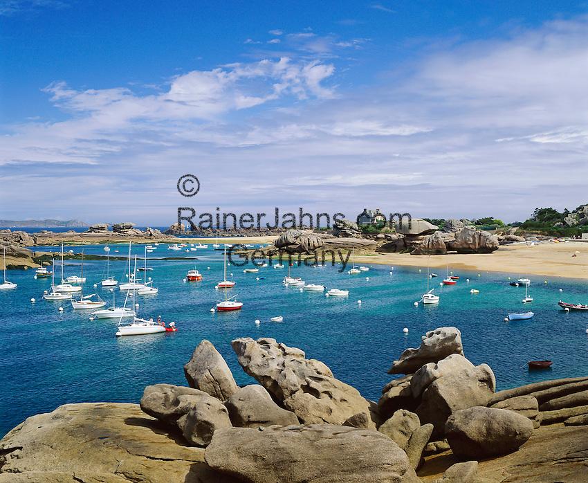 France, Brittany, Département Côtes-d'Armor, Trégastel: Atlantic coastal scenery | Frankreich, Bretagne, Département Côtes-d'Armor, Trégastel: die Atlantikkueste