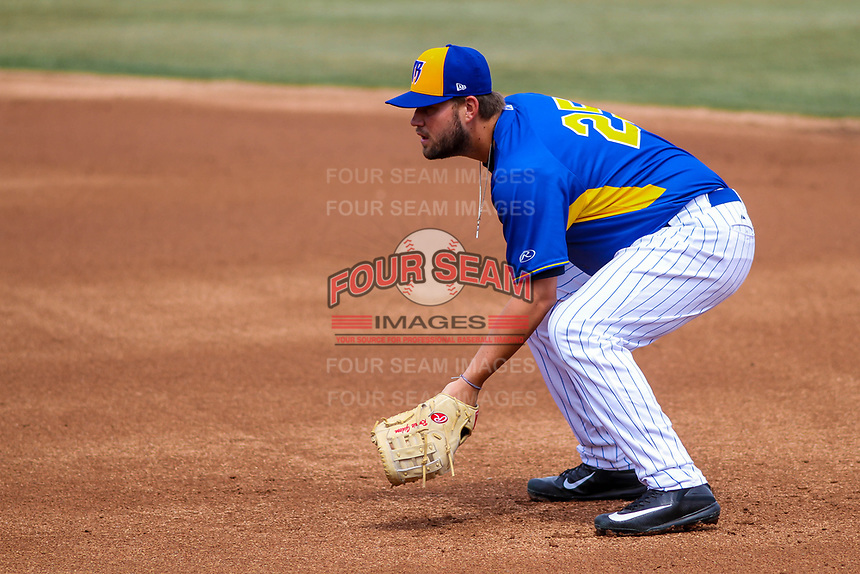 Wisconsin Timber Rattlers first baseman Ronnie Gideon (25) in the field during a Midwest League game against the Quad Cities River Bandits on April 9, 2017 at Fox Cities Stadium in Appleton, Wisconsin.  Quad Cities defeated Wisconsin 17-11. (Brad Krause/Four Seam Images)
