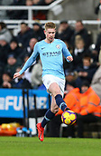 29th January 2019, St James Park, Newcastle upon Tyne, England; EPL Premier League football, Newcastle United versus Manchester City; Kevin de Bruyne of Manchester City passes the ball