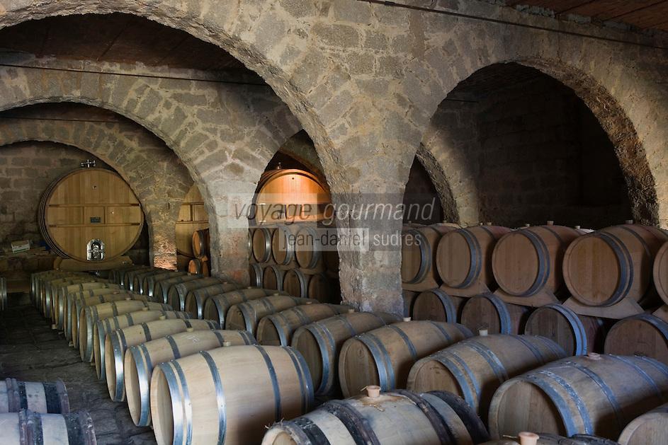 Europe/France/2A/Corse du Sud/A.O.C. Sartène : Philippe Farinelli  Domaine de Sarapale AOC Sartène- la cave à barriques
