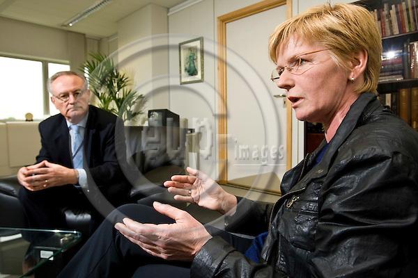 BRUSSELS - BELGIUM - 15 MAY 2008 -- MEP Klaus HÄNSCH (Hansch, Haensch), (DE SPD) Socialist Group in the European Parliament and MEP Gabriele ZIMMER, (DE Die Linke)Confederal Group of the European United Left - Nordic Green Left having a debate discussion on the Lisbon Treaty. -- PHOTO: Juha ROININEN / EUP-IMAGES