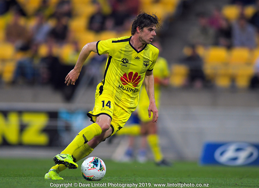 Phoenix's Alex Rufer in action during the A-League football match between Wellington Phoenix and Brisbane Roar at Westpac Stadium in Wellington, New Zealand on Saturday, 23 November 2019. Photo: Dave Lintott / lintottphoto.co.nz