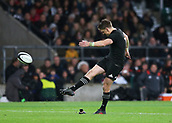 4th November 2017, Twickenham Stadium, Twickenham, England; Autumn International Rugby, Barbarians versus New Zealand; Beauden Barrett of New Zealand scores from a conversion after Nathan Harris scored a try