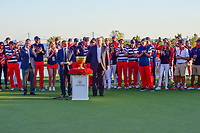 The U.S. team stands on the 14th with President Trump and the Presidents Cup following round 4 Singles of the 2017 President's Cup, Liberty National Golf Club, Jersey City, New Jersey, USA. 10/1/2017. <br /> Picture: Golffile | Ken Murray<br /> <br /> All photo usage must carry mandatory copyright credit (&copy; Golffile | Ken Murray)