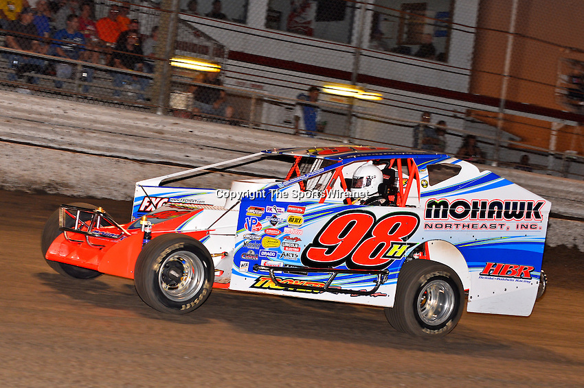 Feb 20, 2014; 6:39:50 PM;  Barberville, FL, USA;  Super DIRT car Series Big Block Modifieds presented by Summit Racing Equipment at Volusia Speedway Park.  Mandatory Credit: (thesportswire.net)