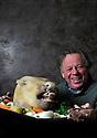 18/03/11 - MONTCEAU LES MINES - SAONE ET LOIRE - FRANCE - Trombinoscope Bourguignon autour de la tete de veau - Photo Jerome CHABANNE