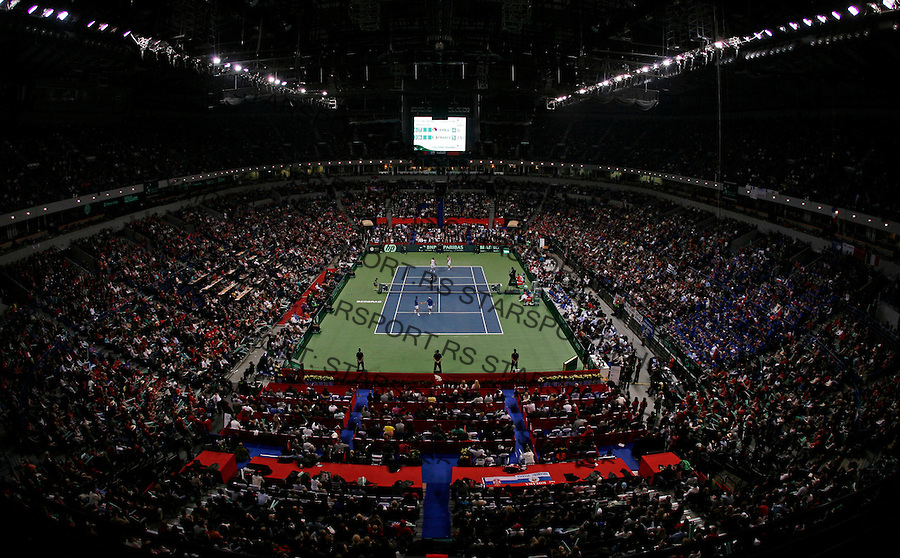 General overview of the Belgrade Arena during Davis Cup final match Serbia vs France. France leads 2:1 with only two matches remaining on Sunday. Davis Cup finals, Serbia vs France in Belgrade Arena in Belgrade, Serbia, Saturday, 4. December 2010. (credit & photo: Srdjan Stevanovic/Starsportphoto.com©)