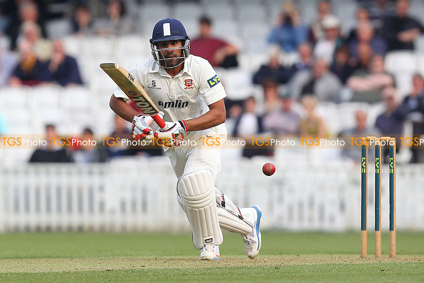 Ravi Bopara in batting action for Essex - Surrey CCC vs Essex CCC - LV County Championship Division Two Cricket at the Kia Oval, Kennington, London - 21/04/14 - MANDATORY CREDIT: Gavin Ellis/TGSPHOTO - Self billing applies where appropriate - 0845 094 6026 - contact@tgsphoto.co.uk - NO UNPAID USE