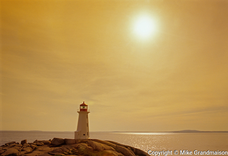 Peggy's Cove lighthouse and Atlantic Ocean<br /> Peggy's Cove<br /> Nova Scotia<br /> Canada