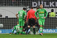 Oscar Wendt (Borussia Mönchengladbach) hat sich beim Gegentreffer verletzt - 26.01.2018: Eintracht Frankfurt vs. Borussia Moenchengladbach, Commerzbank Arena