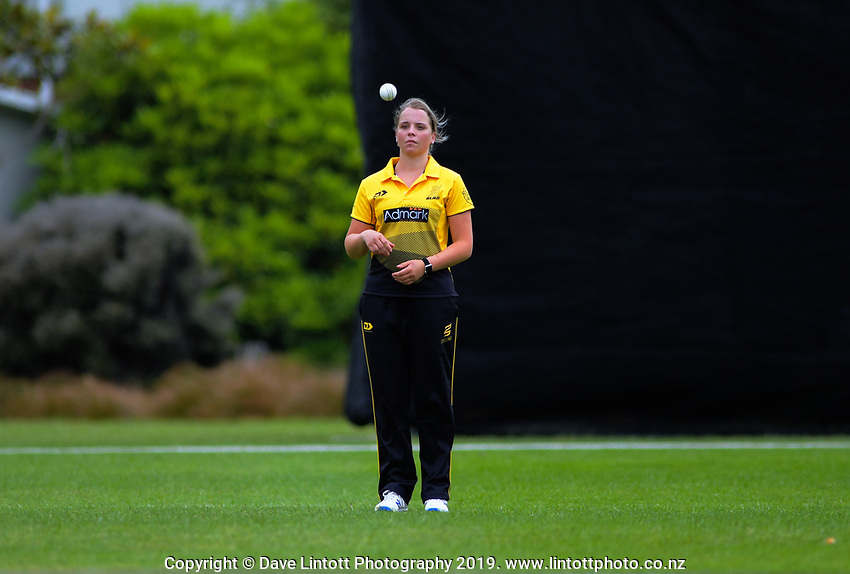 Wellington's Jess Kerr prepares to bowl during the women's Hallyburton Johnstone Shield cricket match between the Wellington Blaze and Central Hinds at Karori Park in Wellington, New Zealand on Sunday, 1 December 2019. Photo: Dave Lintott / lintottphoto.co.nz