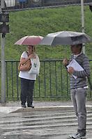SÃO PAULO, SP, 04 DE NOVEMBRO DE 2013 - CLIMA TEMPO - Chuva atinge a capital, na região do Ibirapeura, no início da tarde desta segunda feira, 04. FOTO: ALEXANDRE MOREIRA / BRAZIL PHOTO PRESS