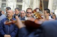 Roma,9 Novembre 2011.Manifestazione unitaria delle associazioni sinti e rom italiane  per chiedere il riconoscimento dello Status di minoranze e inserire Sinti e Rom nella legge che istituisce il Giorno della Memoria
