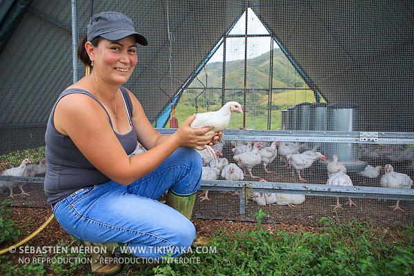 Christelle Appaganou, éleveuse de volailles et apicultrice à Bourail