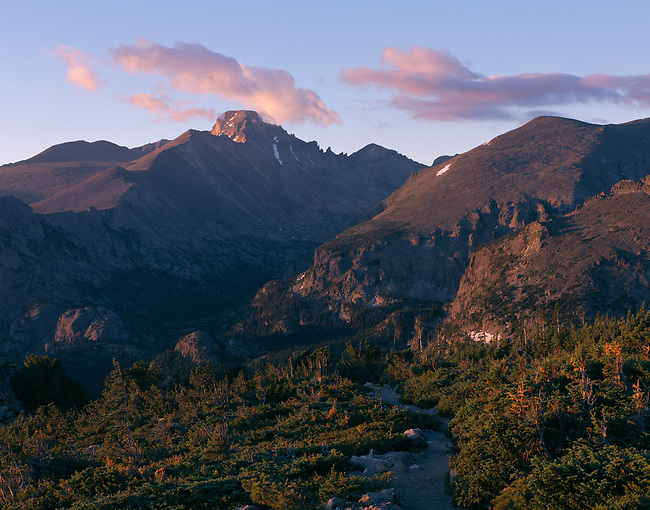 Longs Peak, sunrise, Rocky Mountain National Park, Colorado, USA