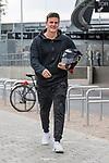 11.05.2018, Weserstadion, Bremen, GER, 1.FBL, Training SV Werder Bremen<br /> <br /> im Bild<br /> Michael Zetterer (Werder Bremen #30) mit Trikot und Stapel an Arbeitsunf&auml;higkeitsbescheinigung / gelben Schein, <br /> <br /> Foto &copy; nordphoto / Ewert