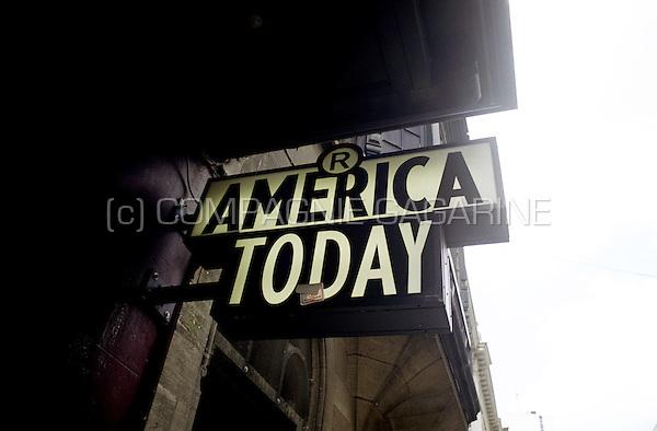 America Today shop logo in Antwerp (Belgium, 21/05/2004)