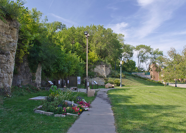 Bicentennial Park lies between the limestone bluff and the DesPlaines River, Joliet, Illinois