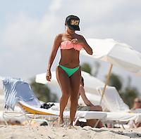 APRIL 28 2013.SEXY VIDA GUERRA IN MIAMI BEACHES UNDER FLORIDA SUN.Non Exclusive.Mandatory Credit: OHPIX.COM..Ref: OH_SOL ++<br /> &copy;/NortePhoto