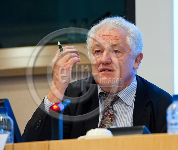 Brussels-Belgium - September 06, 2011 -- Press Conference on the launch of 'My Europe', a set of workshops of European Scriptoria, coordinated by ICCA (Institute for Corporate Culture Affairs) and the Frankfurter Zukunftsrat (Future Think Tank); here, Prof Dr Manfred POHL, CEO and Founder, Frankfurter Zukunftsrat / ICCA -- Photo: Horst Wagner / eup-images