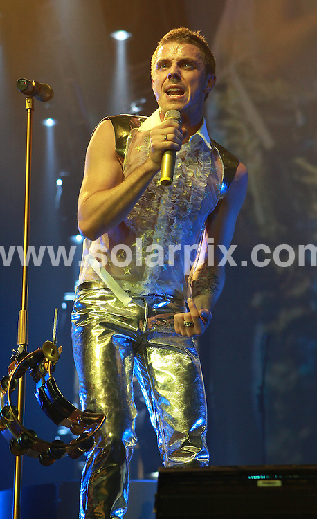 **ALL ROUND PICTURES FROM SOLARPIX.COM**.**WORLDWIDE SYNDICATION RIGHTS**.The American alternative band the Scissor Sisters with Jason Sellards,Scott Hoffman,Andrea Lynch,Derek Gruen,Patrick Seacor perform at the O2 Arena, Greenwich Peninsula London last night..JOB REF:4391- SSD     DATE:26_07_07.**MUST CREDIT SOLARPIX.COM OR DOUBLE FEE WILL BE CHARGED* *UNDER NO CIRCUMSTANCES IS THIS IMAGE TO BE REPRODUCED FOR ANY ONLINE EDITION WITHOUT PRIOR PERMISSION*
