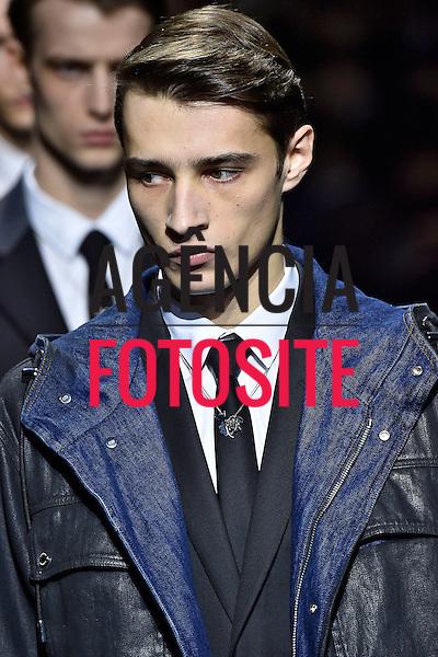 Dior Homme<br /> Paris Masculino- Inverno 2015<br /> <br /> <br /> foto: FOTOSITE