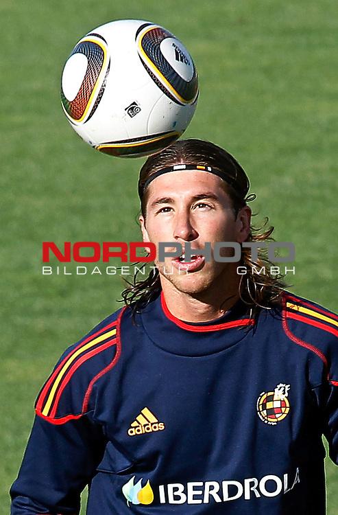 Spain's Sergio Ramos during training session.June 10, 2010. (Foto &copy; nph/Acero) *** Local Caption *** Fotos sind ohne vorherigen schriftliche Zustimmung ausschliesslich f&uuml;r redaktionelle Publikationszwecke zu verwenden.<br /> <br /> Auf Anfrage in hoeherer Qualitaet/Aufloesung