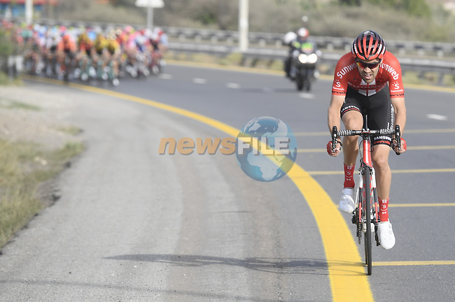 Tom Dumoulin (NED) Team Sunweb makes a break from the peloton during Stage 4 of the 2019 UAE Tour, running 197km form The Pointe Palm Jumeirah to Hatta Dam, Dubai, United Arab Emirates. 26th February 2019.<br /> Picture: LaPresse/Fabio Ferrari | Cyclefile<br /> <br /> <br /> All photos usage must carry mandatory copyright credit (© Cyclefile | LaPresse/Fabio Ferrari)