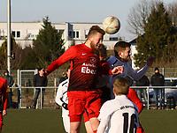 Kopfball Andreas Adamek (Unter-Flockenbach) - 25.02.2018: SKV Büttelborn vs. SV Unter-Flockenbach, Gruppenliga Darmstadt
