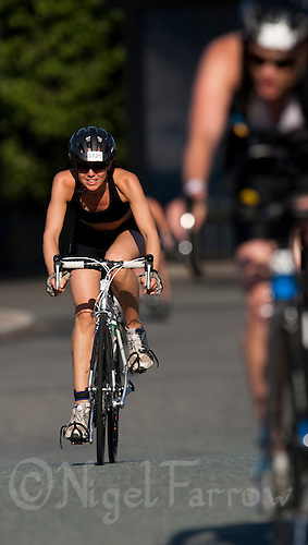 02 AUG 2009 - LONDON, GBR - Zoe Birchenough - London Triathlon (PHOTO (C) NIGEL FARROW)