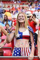 VANCOUVER, CANADÁ, 05.07.2015 - EUA-JAPÃO - Torcedores momentos antes da partida entre Estados Unidos e Japão jogo válido pela final da Copa do Mundo de Futebol Feminino no Estádio BC Place em Vancouver  no Canadá neste domingo, 05. (Foto: William Volcov/Brazil Photo Press)