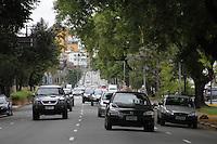 ATENCAO EDITOR: FOTO EMBARGADA PARA VEICULOS INTERNACIONAIS - SAO PAULO, SP, 10 DE NOVEMBRO 2012 - TRANSITO SP - Transito moderado na av Rudge sentido Pte da Casa Verde, Marginal Tiete, na manha desse sabado, 10. Bom Retiro, Zona central da capital   - FOTO LOLA OLIVEIRA - BRAZIL PHOTO PRESS