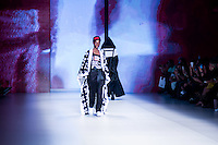 S&Atilde;O PAULO,SP, 24.10.2016 - SPFW-LAB - Desfile da grife LAB durante a S&atilde;o Paulo Fashion Week N42 no Parque do Ibirapuera na regi&atilde;o sul de S&atilde;o Paulo nesta segunda-feira, 24. <br /> <br /> (Foto: Fabricio Bomjardim/Brazil Photo Press)