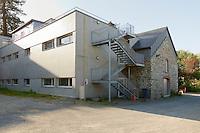 Architecte de la renauvation Gilbert QUERE<br /> Petit manoir, le schiste a ete preleve a plus de 20 km