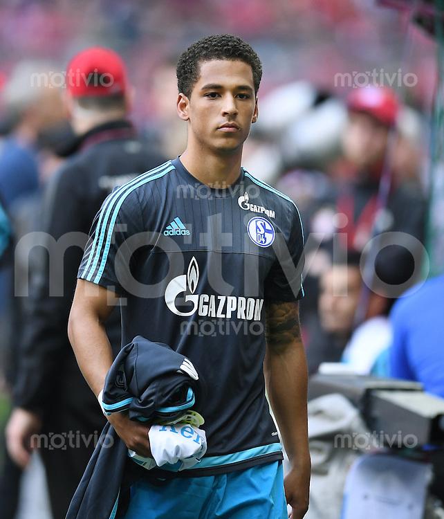FUSSBALL  1. BUNDESLIGA  SAISON 2015/2016  30. SPIELTAG FC Bayern Muenchen - FC Schalke 04     16.04.2016 Thilo Kehrer (FC Schalke 04)