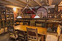 Europe/France/Provence-Alpes-Côte d'Azur/Alpes-Maritimes/Nice: La Cave Bianchi _ 7 rue Raoul Bosio Europe, France, Provence-Alpes-Côte d'Azur, Alpes-Maritimes, Nice: Cave Bianchi , Wine retailer