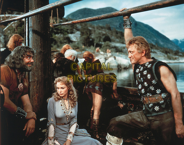 Ernest Borgnine, Janet Leigh & Kirk Douglas.in The Vikings (1958) .*Filmstill - Editorial Use Only*.CAP/NFS.Supplied by Capital Pictures.