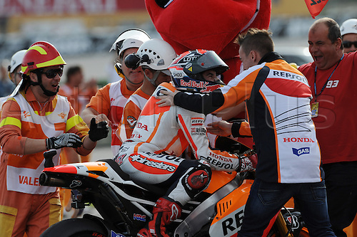 10.11.2013. Marc Marquez (repsol Honda team) during the race at Ricardo Tormo circuit in Valencia