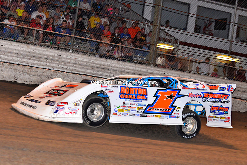 Feb 20, 2014; 6:57:49 PM;  Barberville, FL, USA;  World of Outlaws Late Model Series for 43rd Annual DIRTcar Nationals presented by Summit Racing Equipment at Volusia Speedway Park.  Mandatory Credit: (thesportswire.net)