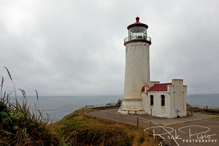 The 65 foot tall North Head Lighthouse was first lit in 1898 in response to a marked increase in the number of shipwrecks near the mouth of the Columbia River as mariners coming from the north could not see the Cape Disappointment light.