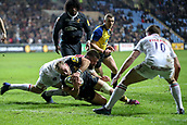 2nd December 2017, Rioch Arena, Coventry, England; Aviva Premiership rugby, Wasps versus Leicester; Dan Robson of Wasps scores the second try for Wasps to make it 14-10 after the conversion