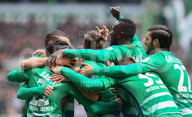 FUSSBALL     1. BUNDESLIGA      31. SPIELTAG    SAISON 2016/2017  SV Werder Bremen - Hertha BSC Berlin                          29.04.2017 Werder jubelt nach dem 1:0