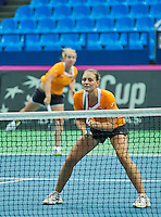 Moskou, Russia, Februari 4, 2016,  Fed Cup Russia-Netherlands,  Dutch team practise doubles Cindy Burger (R)and Richel Hogenkamp <br /> Photo: Tennisimages/Henk Koster