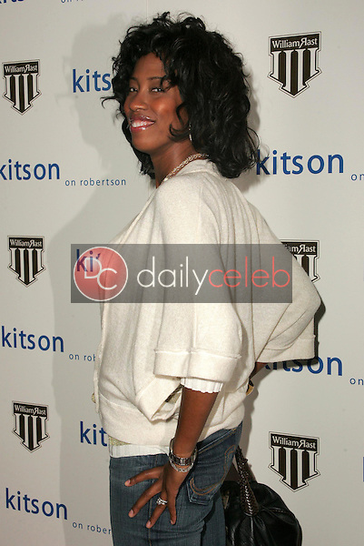 Shondrella Avery<br />at the William Rast Collection debut. Kitson, Los Angeles, CA. 11-10-05<br />Dave Edwards/DailyCeleb.com 818-249-4998
