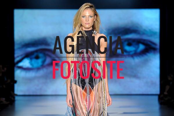 Triya<br /> <br /> S&atilde;o Paulo Fashion Week- Ver&atilde;o 2016<br /> Abril/2015<br /> <br /> foto: Daniel Deak/ Ag&ecirc;ncia Fotosite
