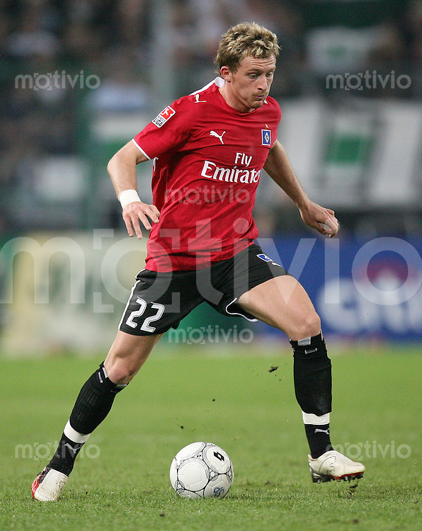 Fussball   1. Bundesliga   Saison 2006/2007 Besart BERISHA (Hamburger SV), Einzelaktion am Ball