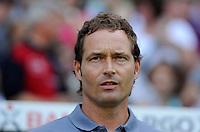 FUSSBALL   1. BUNDESLIGA   SAISON 2011/2012    3. SPIELTAG SV Werder Bremen - SC Freiburg                             20.08.2011 Trainer Marcus SORG (Freiburg)