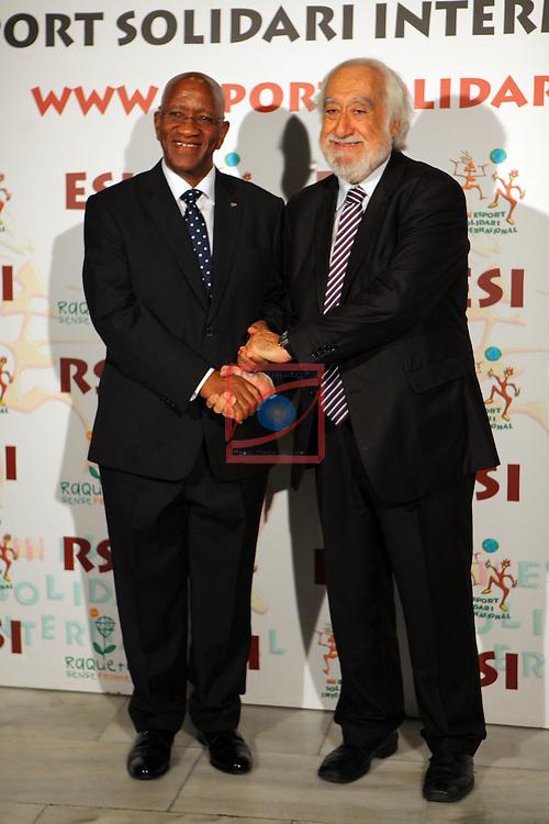 XIe Sopar Solidari d'ESI (Esport Solidari Internacional).<br /> Josep Maldonado &amp; embajador de Sudafrica.