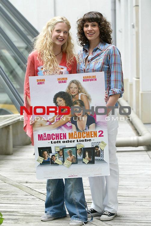 Pressetermin zum Constantin Film &quot;Maedchen Maedchen 2 - Loft oder Liebe&quot; im Hyatt Hotel Hamburg mit den Hauptdarstellerinnen Diana Amft und Jasmin Gerat.<br /> <br /> Foto &copy; nordphoto / Anja Heinemann<br /> <br />  *** Local Caption *** Foto ist honorarpflichtig! zzgl. gesetzl. MwSt.<br />  Belegexemplar erforderlich<br /> Adresse: nordphoto<br /> Georg-Reinke-Strasse 1<br /> 49377 Vechta